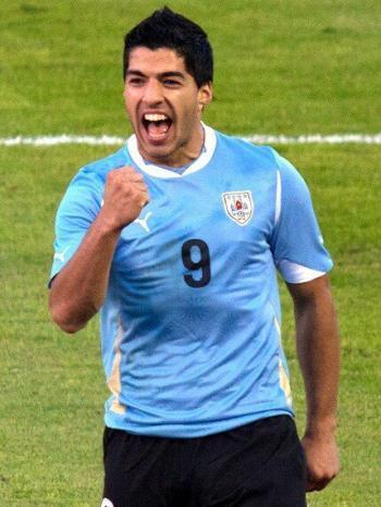Louis Suarez PLaying for Uruguay
